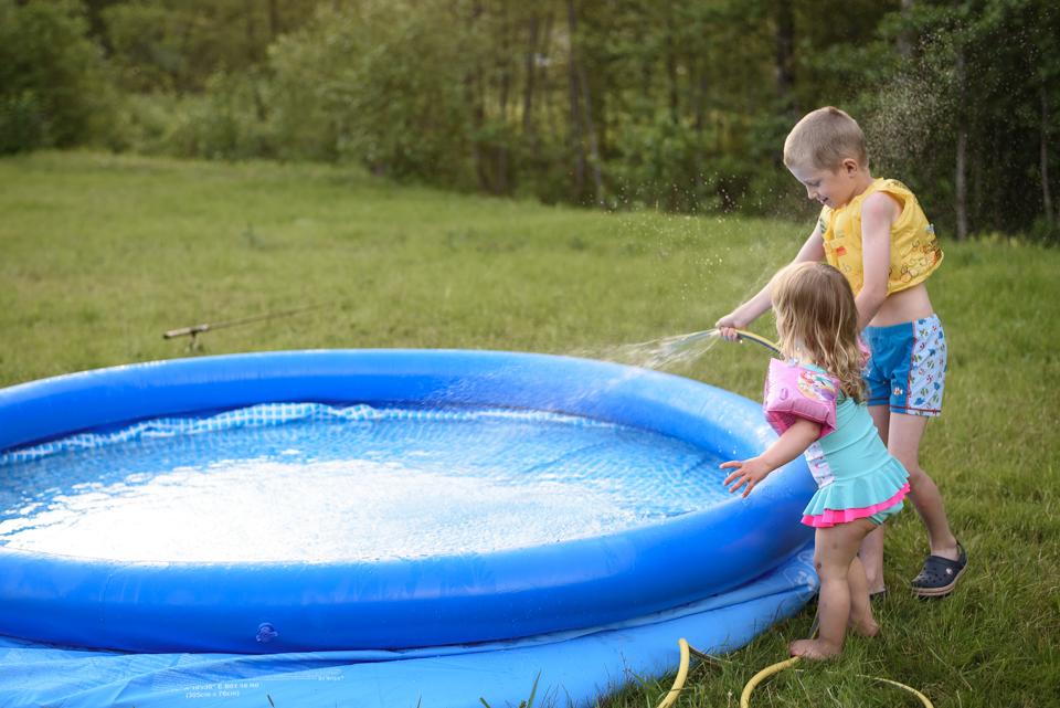 peldēšana bērniem